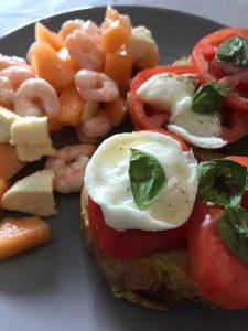 pain perdu au pesto, tomate et mozza